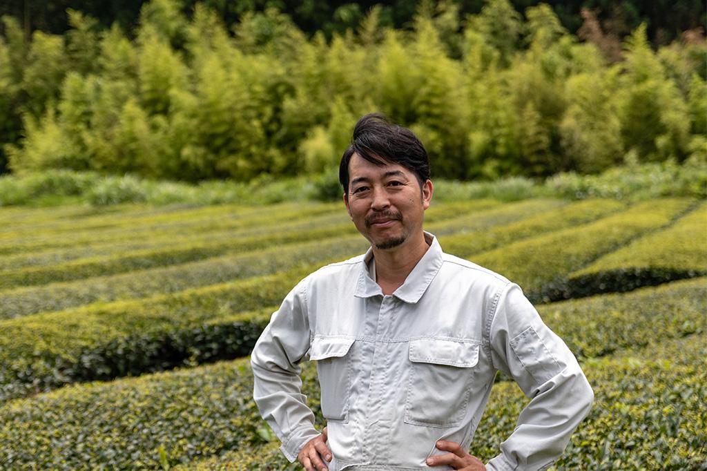 茶農家と金谷の茶園