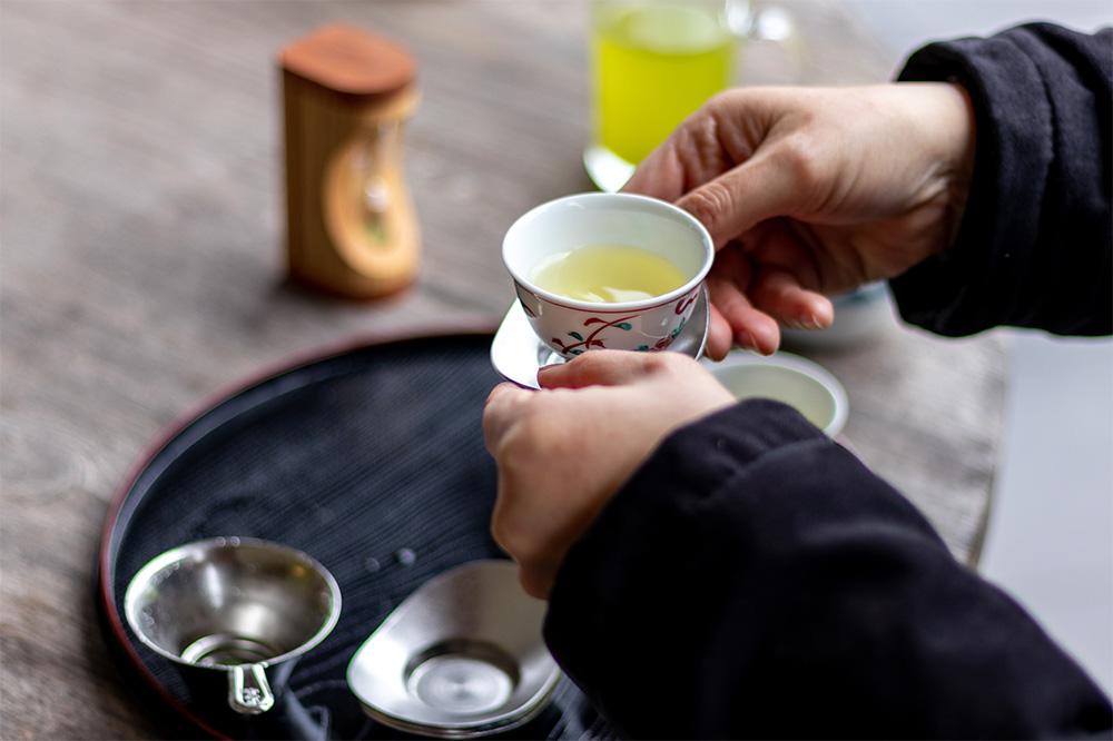 昔ながらの金色の川根茶