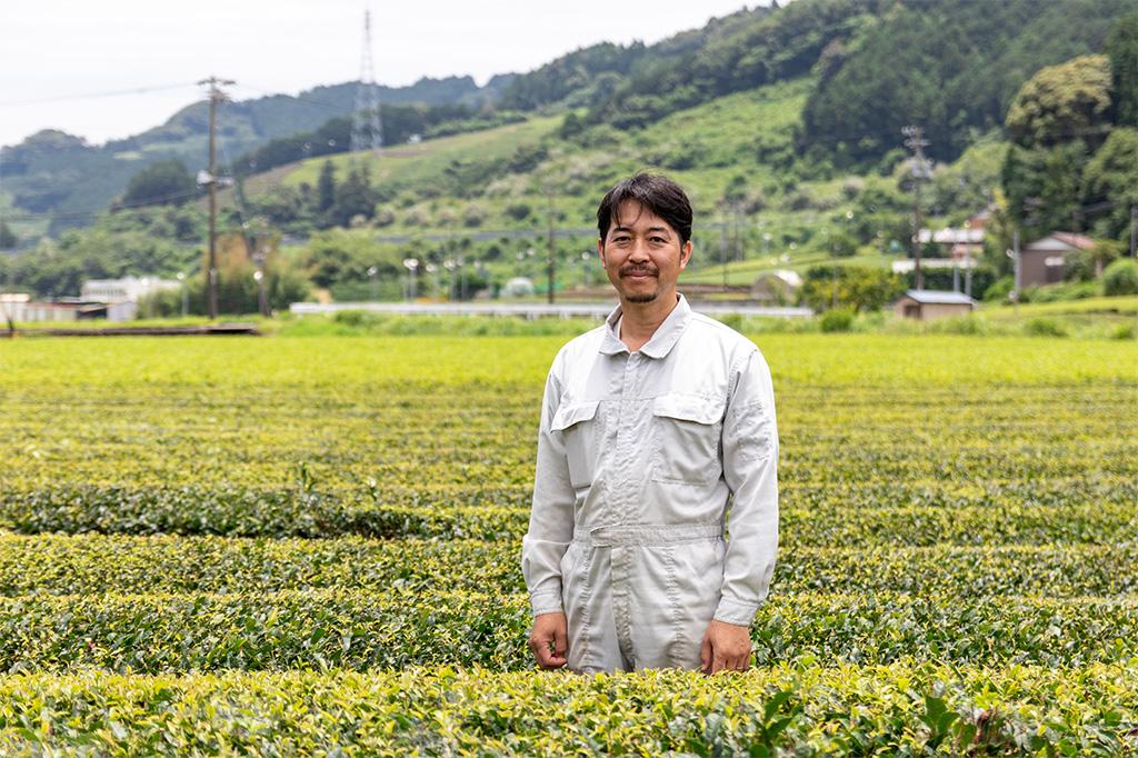 受け継いだ農地を守りながら、新しい茶農家の形を目指す。